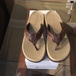 Boys Sperry Top-Sliders sz 4 youth